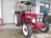 Traktor IHC 533