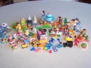 Überraschungseier-Figuren und anderes Kleinspielzeug