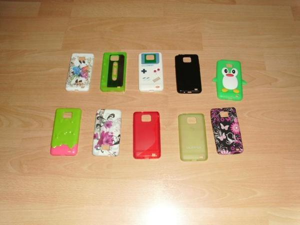 Verschiedene Handyhüllen für Galaxy S2