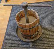 Weinpresse bzw Obstpresse voll funktionsfähig