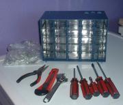 Werkzeug mit Schrauben