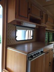 Wohnwagen mit idyllischem