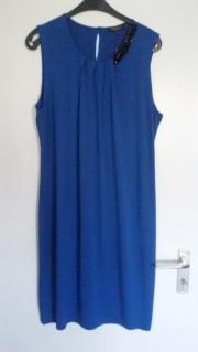Wunderschönes Kleid der